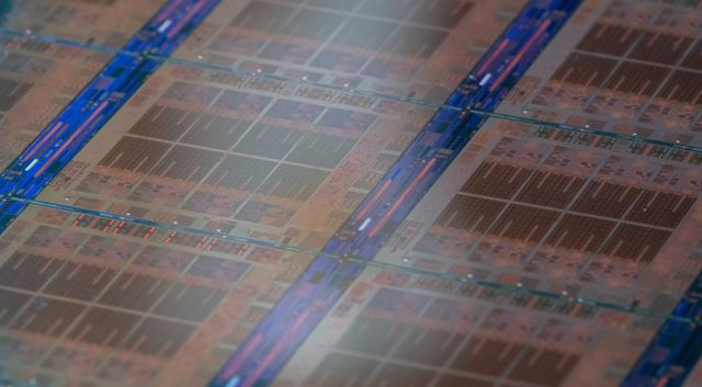 IBM's New System Z CPU Offers 40 Percent More Performance per Socket, Integrated AI